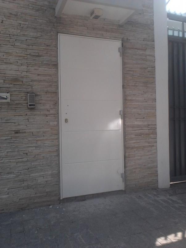 Porta Blindada com Biometria Carapicuíba - Instalação de Portas Blindadas
