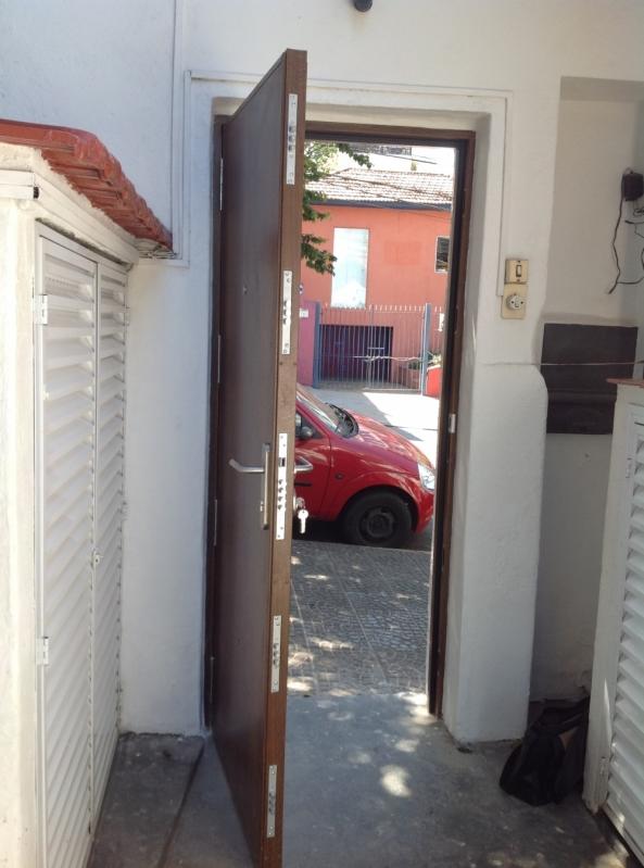 Portas Blindadas com Madeira Jaboticabal - Porta Blindada Aço