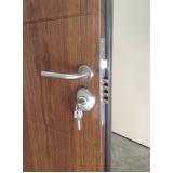 porta metálica de segurança Francisco Morato